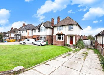 Thumbnail 3 bed detached house for sale in Calcot Road, Reading