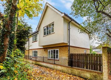 Thumbnail Flat for sale in Clitherow Gardens, Southgate, Crawley