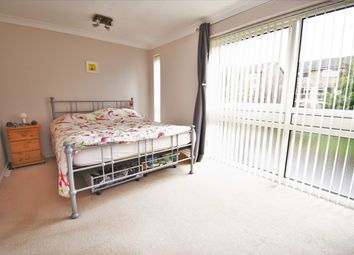 3 bed flat for sale in Manor Road, Sidcup DA15