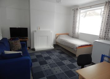 Thumbnail Room to rent in Colborne Road, Didcot
