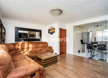 3 bed flat to rent in Cornwall Road, London N15