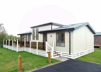 Thumbnail 2 bed bungalow for sale in Lagoon Pond, Sleaford Road, Tattershall