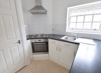 2 bed flat to rent in West Street, Havant PO9