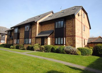 Thumbnail 2 bed flat to rent in Cavendish Gardens, Chelmsford