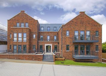 Thumbnail 2 bed flat for sale in Watford Road, Radlett