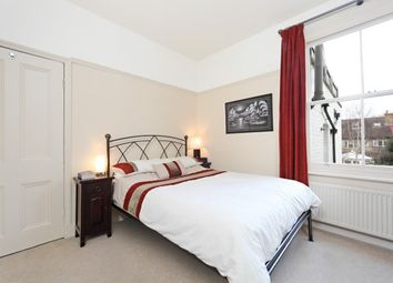 Thumbnail 2 bedroom flat to rent in Pagoda Avenue, Richmond