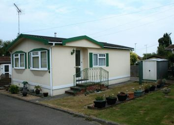 Thumbnail 2 bedroom mobile/park home for sale in Laybourne Avenue, Cummings Hall Lane, Noak Hill, Romford