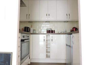 Thumbnail 1 bedroom flat for sale in Cottage Grove, Southsea