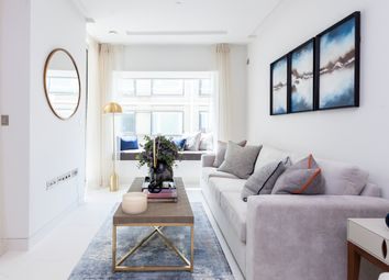 Thumbnail 2 bed flat to rent in Sugar Quay, Landmark Place, City