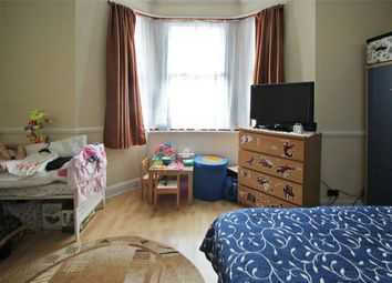 Thumbnail 2 bed flat to rent in Casselden Road, London