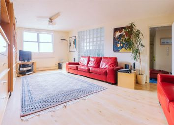 Thumbnail 1 bedroom flat to rent in Railway Approach, London