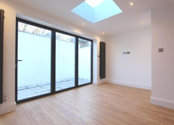 Thumbnail 2 bed town house to rent in West Green Road, Seven Sisters