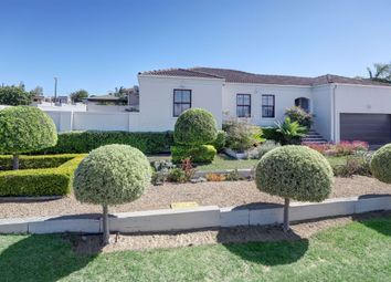 Thumbnail Detached house for sale in 12 Apeldoorn Street, Uitzicht, Northern Suburbs, Western Cape, South Africa