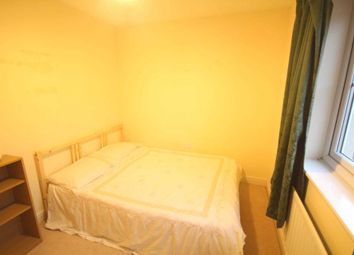 Thumbnail Room to rent in Pigeon Grove, Bracknell