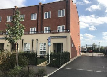 Thumbnail 5 bed town house to rent in Berryfields, Aylesbury