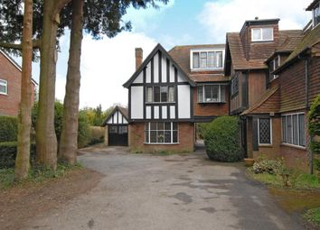 Thumbnail 3 bed flat to rent in Firs Court, Amersham