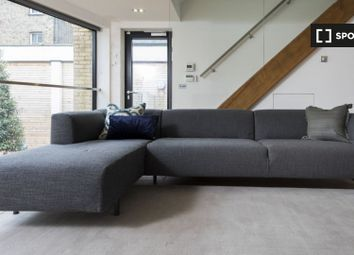 2 bed property to rent in Gifford Street, London N1