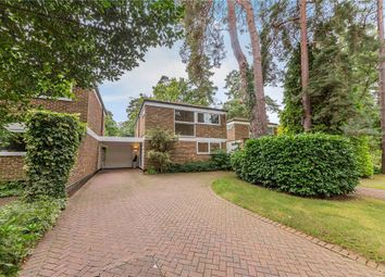 Heathermount Drive, Crowthorne, Berkshire RG45. 3 bed link-detached house