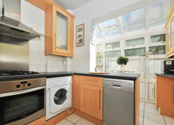 3 bed maisonette to rent in Ormiston Grove, Shepherds Bush, London W12