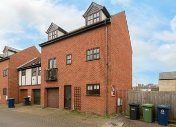 Thumbnail 1 bed flat to rent in Robbs Walk, St Ives, Cambridgeshire