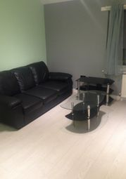 2 bed flat to rent in Fitzstephen Road, Dagenham RM8
