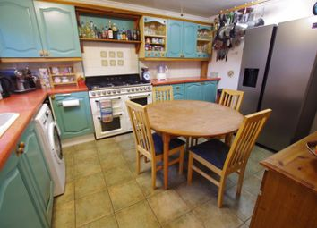 Thumbnail Terraced house for sale in Colingsmead, Swindon