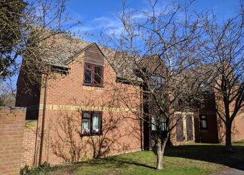 2 bed flat to rent in Westholm Court, Bicester OX26