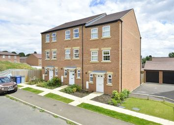 Thumbnail 3 bed town house for sale in Jubilee Street, Rothwell, Northamptonshire
