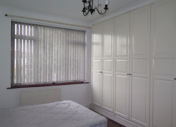 Thumbnail Room to rent in Waterfall Road, London