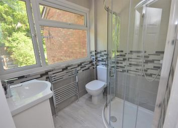 Thumbnail 6 bed terraced house to rent in Falconers Road, Luton