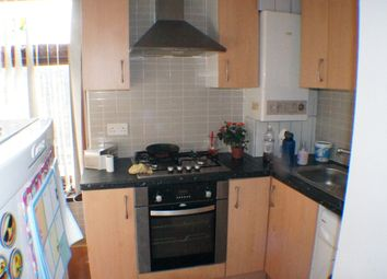 Thumbnail 2 bedroom flat to rent in Oak Lane, Bradford