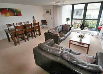 Thumbnail 3 bed flat to rent in Woodins Way, Oxford