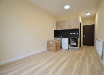 1 bed flat to rent in Queens Parade, Queens Road, London NW4