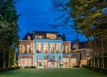 Thumbnail 6 bed property for sale in Hampstead Lane, London