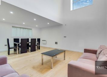 Thumbnail 3 bedroom flat to rent in Holloway Road, Islington, London