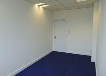 Thumbnail Office to let in 15-17 Western Parade, Great North Road, Barnet