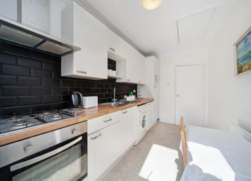 Thumbnail 2 bedroom flat to rent in Lichfield Road, Cricklewood, London