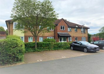 2 bed flat to rent in Shepperton Court Drive, Shepperton TW17