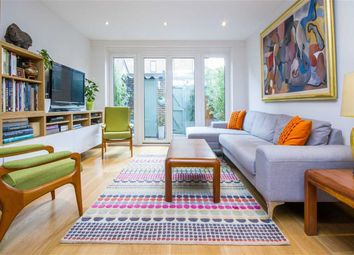 Thumbnail 4 bed property to rent in Fleet Square, London
