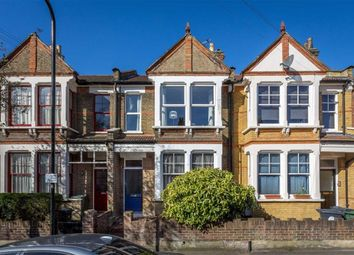 Thumbnail 3 bedroom flat to rent in West Avenue Road, London