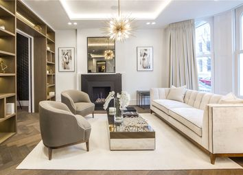 Thumbnail 6 bed town house to rent in Campden Hill Gardens, London
