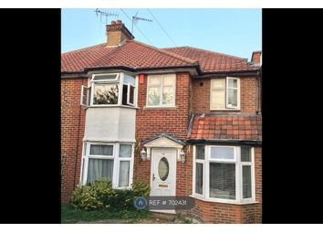 5 bed semi-detached house to rent in The Greenway, London NW9