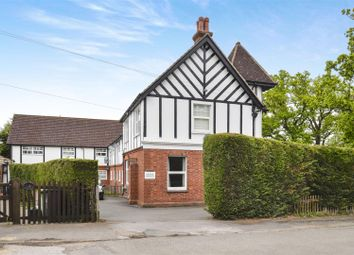 Thumbnail 2 bedroom flat for sale in Dunraven Avenue, Redhill