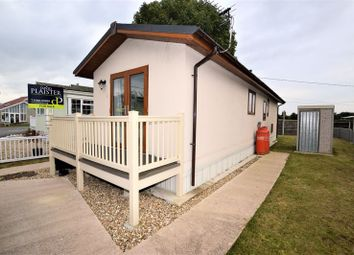 2 bed mobile/park home for sale in Elm Close, Summer Lane Park Homes, Banwell BS29