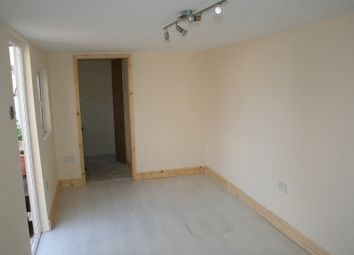 Thumbnail Studio to rent in Lever Gardens, Greenford
