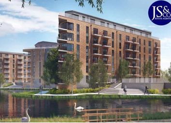 Thumbnail 1 bed flat for sale in Langley Square, Dartford, Kent