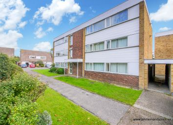 Thumbnail 2 bed flat to rent in Hazelbank Road, Chertsey