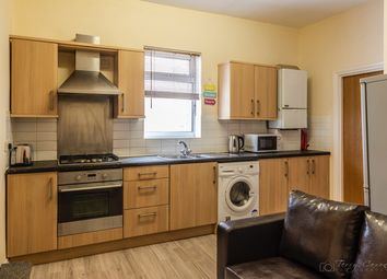 4 bed flat to rent in Flat 2, Room 1 - Lipson Road, Plymouth PL4