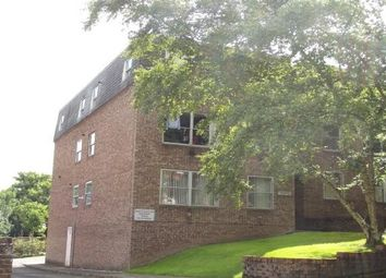 Thumbnail 1 bed flat to rent in Jenner Road, Guildford