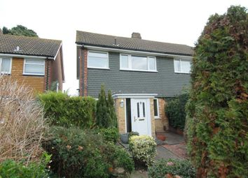 2 bed property for sale in Buckingham Road, Hampton TW12